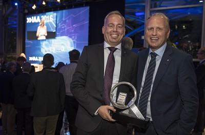 De gauche � droite : Claes Erixon, responsable R&D du groupe Scania Et Henrik Henriksson, pr�sident du groupe Scania