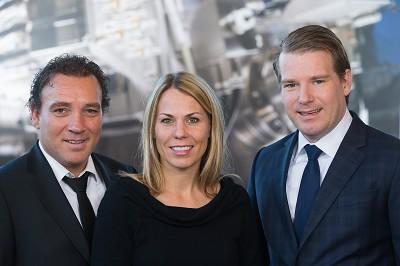 De gauche à droite : Pieter, Jennifer et Willem van der Leegte, ce dernier étant le nouveau PDG du groupe VDL (photo X D.R.)