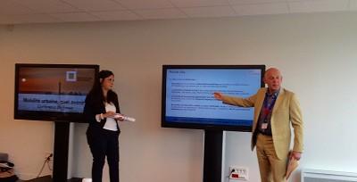 Odette Dantas et Eric Devos du Groupement inter-professionnel de l'automobile lors de la présentation de leur étude sur la mobilité et la vie urbaine dans dix villes européennes dont Lyon et Paris (photo Gilbert)