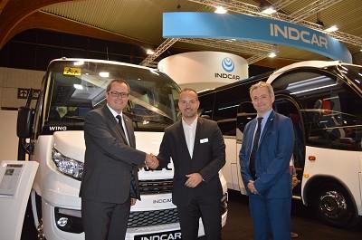 De gauche à droite : Bertrand Coquidé, président de SPL, Gaël Queralt, dirigeant d'Indcar et Olivier Michard, directeur commercial d'Iveco Bus (photo X D.R.)