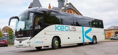 Le « K » domine maintenant les flancs des autobus et des autocars du groupe de transport, filiale de la SNCF et de la Caisse de dépôt et placement du Québec.