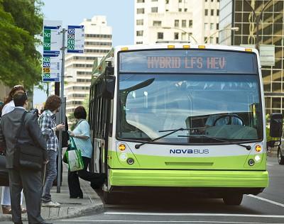 En plus d'une version diesel, Nova Bus propose son LFS en motorisation hybride (ci-dessus) ou électrique.