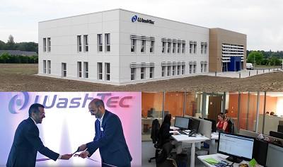 Ci-dessus, Hugo Bernal, vice-président Europe du groupe WashTec et Bertrand Jugie, PDG de WashTec France coupent le ruban de l?inauguration.