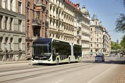 Volvo a présenté récemment son 18 m électrique.