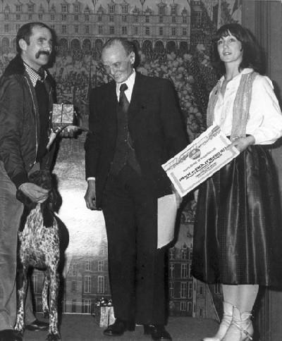 A la cérémonie de réception de l'Ordre des routiers, avec Louky (son chien) et François de Saulieu, le créateur du magazine Les Routiers.