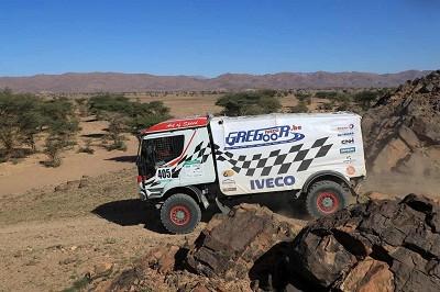L'Iveco du Belge Igor Bouwens, qui était très bien parti, se retrouve 18e au général voitures-camions.
