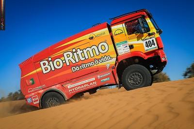 Même si l'Iveco de Bouwens a fait une belle performance en Mauritanie, le Man d'Elisabete Jacinto reste en tête du classement général camions.